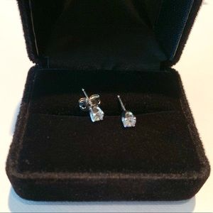 14K white gold round cut diamond earrings